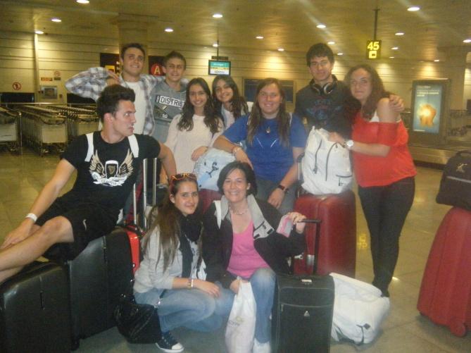 grupo en aeropuerto