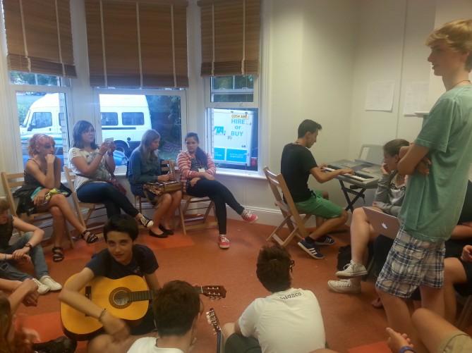 Actividades en la escuela en Totnes