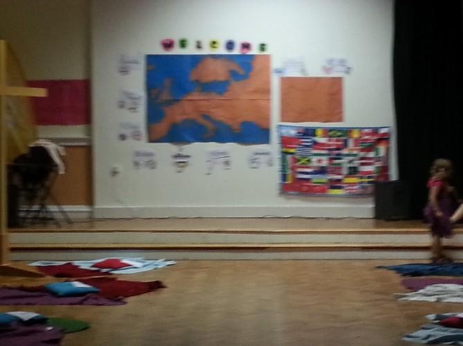 Nuestros alumnos y alumnas de TEC dando la bienvenida a estudiantes extranjeros
