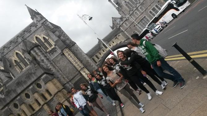 Felices tras nuestra visita al museo Dublinia.