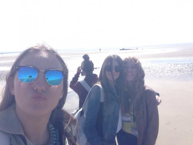 Neus, María y Celia mandan besos desde Crosby Beach!