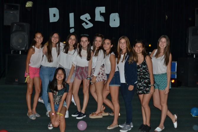 Algunas de las chicas en la disco